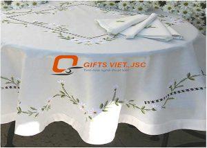 bộ khăn trải bàn 6 khăn ăn thêu tay hoa cúc