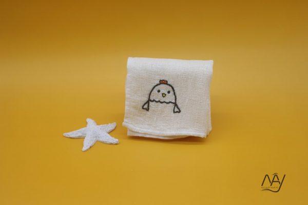 khăn mặt tơ tằm thêu tay họa tiết con gà 1
