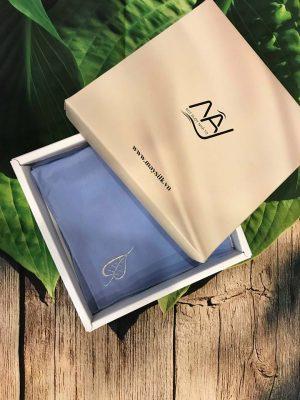 khăn mùi xoa thêu tay họa tiết lá bồ đề màu xanh 2