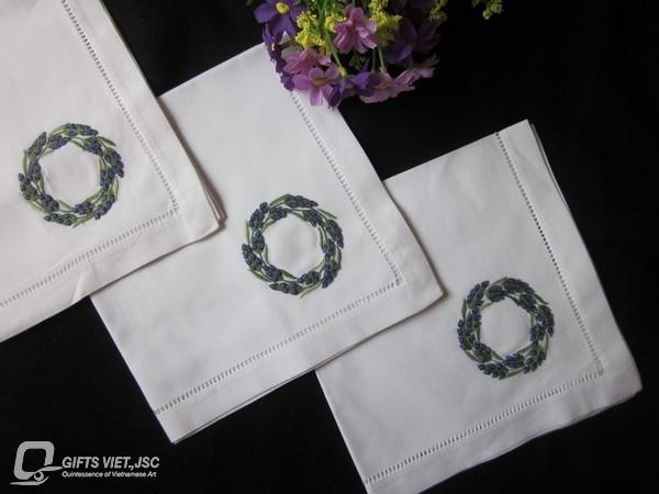 khăn ăn thêu tay hình vòng tròn hoa tím