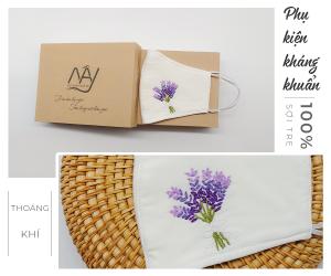 khẩu trang thêu tay lavender màu trắng 2