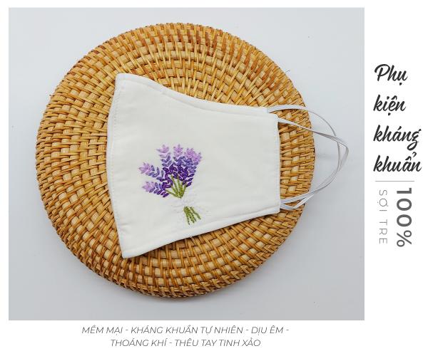khẩu trang thêu tay lavender màu trắng 3