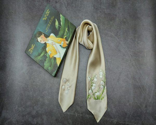 khăn lụa thêu tay hoa linh lan màu be 1