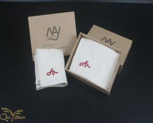 quà tặng đối tác hai khăn mặt tơ tằm thêu chữ An