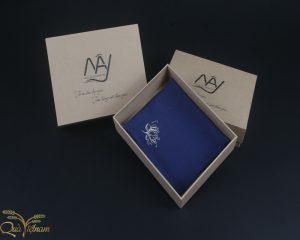 quà tặng đối tác khăn thêu hoa sen màu xanh navy