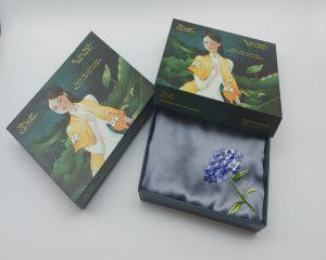 quà tặng người nước ngoài khăn lụa thêu cẩm tú cầu màu ghi 5
