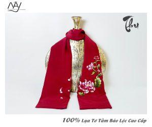 khăn lụa tơ tằm thêu tay hoa cúc màu đỏ 3