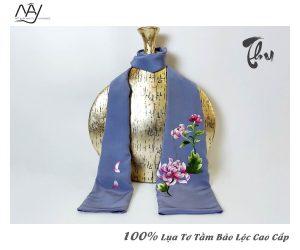 khăn lụa tơ tằm thêu tay hoa cúc màu ghi 3
