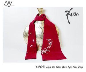 khăn lụa tơ tằm thêu tay hoa đào màu đỏ 3