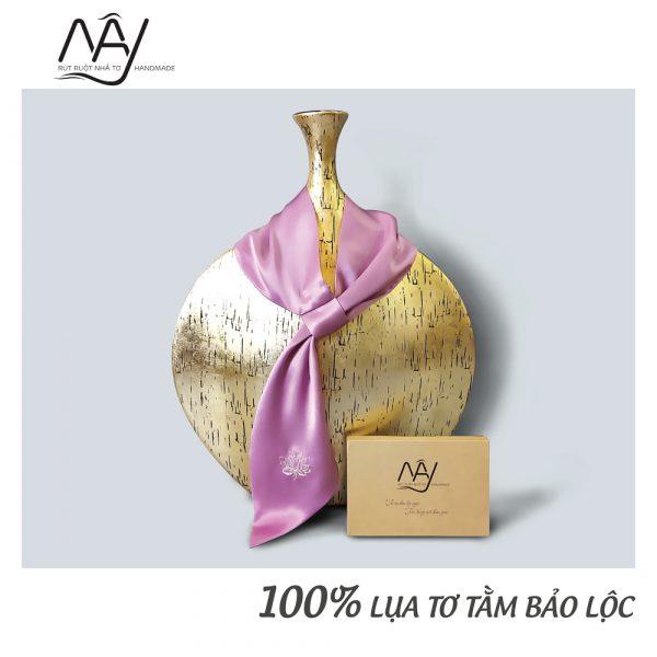 khăn lụa tơ tằm thêu tay hoa sen màu hồng 3
