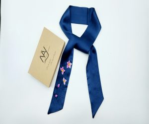 khăn lụa tơ tằm thêu tay hoa lan tím màu navy