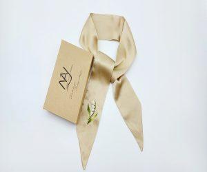 khăn lụa tơ tằm thêu tay hoa linh lan màu be hai lớp 1