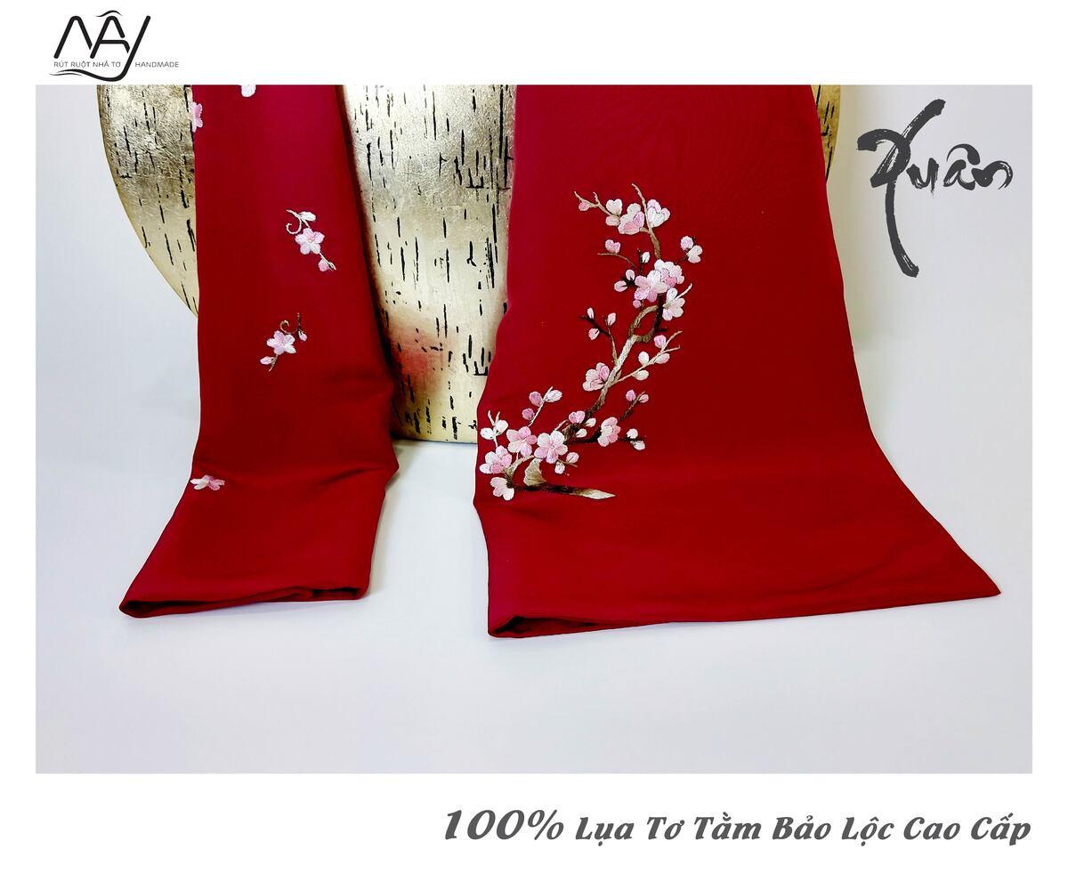 quà tặng đối tác nước ngoài khăn thêu hoa đào màu đỏ 3