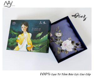 quà tặng đối tác nước ngoài khăn thêu hoa mẫu đơn màu ghi 2
