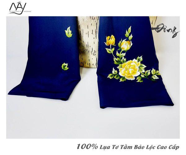quà tặng đối tác nước ngoài khăn thêu hoa mẫu đơn màu navy 2
