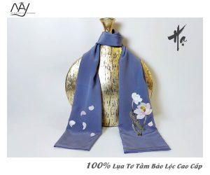quà tặng đối tác nước ngoài khăn thêu hoa sen màu ghi 3