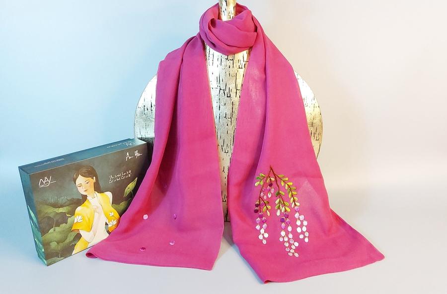 khăn lụa thêu tay hoa mimosa tím1