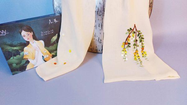 khăn lụa thêu tay mimosa vàng 3